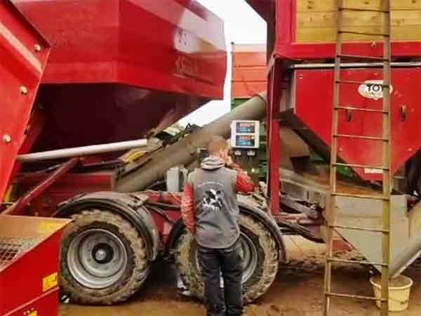 Unité mobile de fabrication d'aliment à la ferme Alimmix TOY